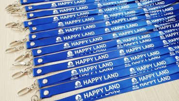 Dây đeo thẻ satin Happy Land 1